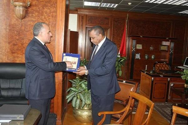 """صورة تعزيز التعاون بين """" المنظمة العربية الزراعية"""" ووزارة الري"""