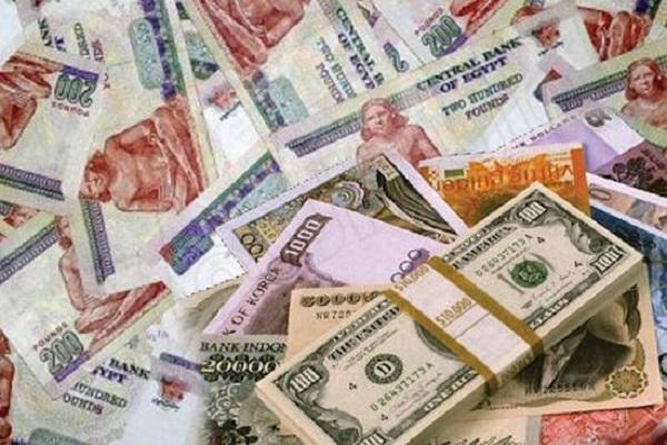 صورة أسعار صرف العملات الأجنبية .. الدولار يواصل الصعود أمام الجنيه فى السوق السوداء