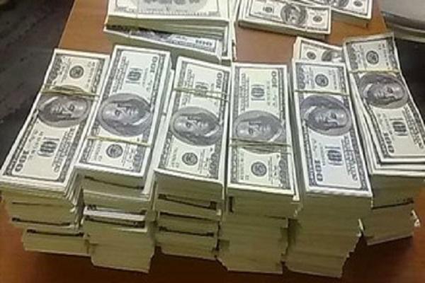 صورة تعرف على أسباب ارتفاع سعر الدولار