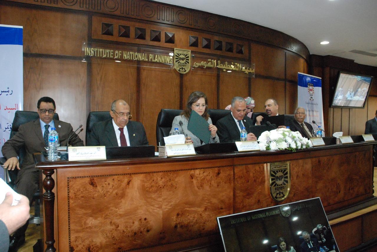 صورة وزير الزراعة : مصر تشهد خطوات غير مسبوقة في مسيرة التنمية المستدامة . صور