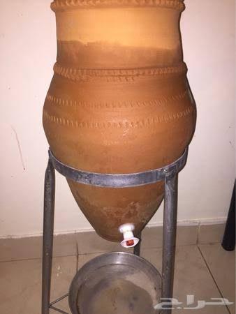 صورة الذى يصلنا ماء ميت.. عالم فيزياء مسلم يدعو لوضع الماء في جرة من الفخار لهذا السبب