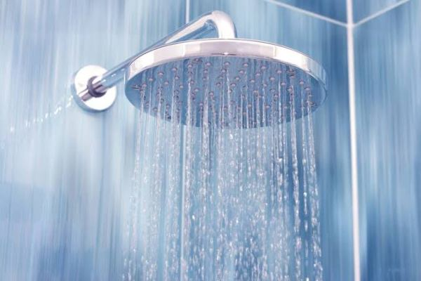 """صورة """" مغتسل بارد وشراب"""" .. تعرف على 14 فائدة سحرية للإغتسال بالماء البارد"""