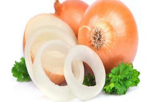 صورة لهذه الأسباب .. احرص على شراء البصل وتناوله مهما ارتفع ثمنه