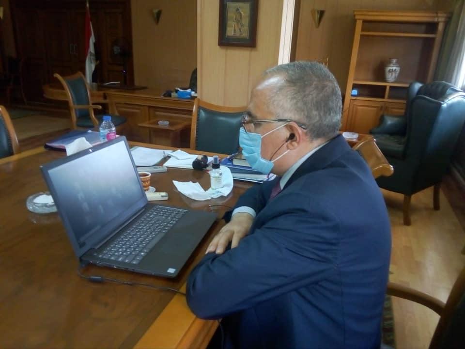 صورة عبد العاطى يتابع أعمال الموقف التنفيذي لمشروع تأهيل الترع ومشروع الري الحديث