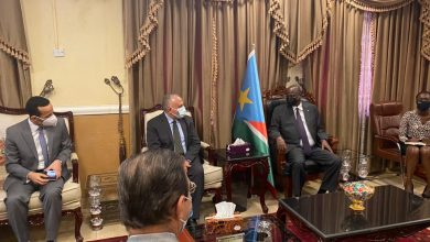"""صورة فى 3 ايام زيارته لجوبا .. """" عبد العاطى""""يبحث موقف المشروعات التنموية  لخدمة مواطني جنوب السودان"""
